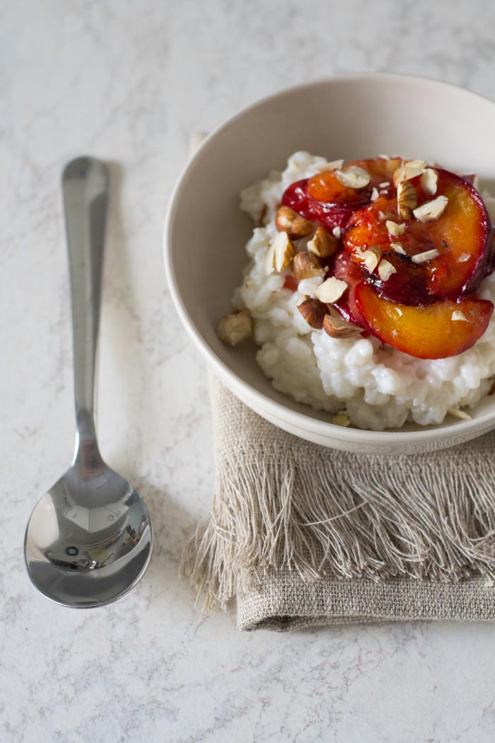 coconut rice pudding with roasted plums_bearbeitet-1