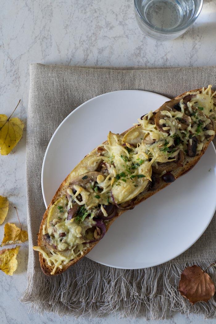 überbackenes baguette mit pilzen 2